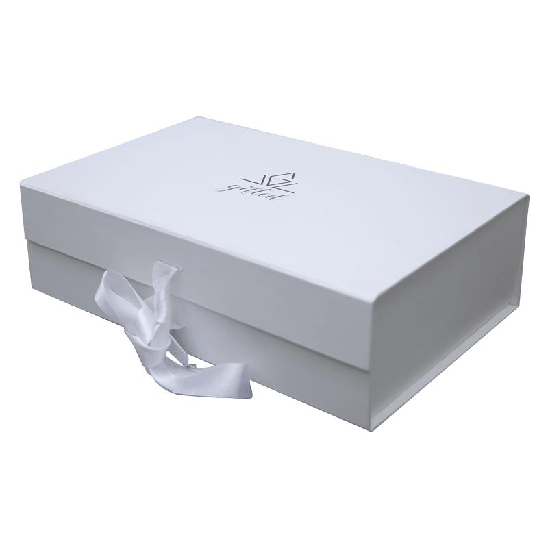 Printed-magnetic-closure-packaging