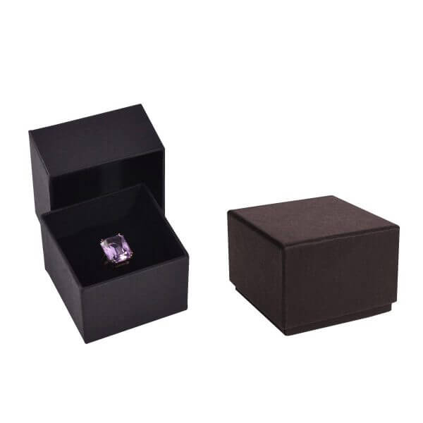 custom-ring-packaging